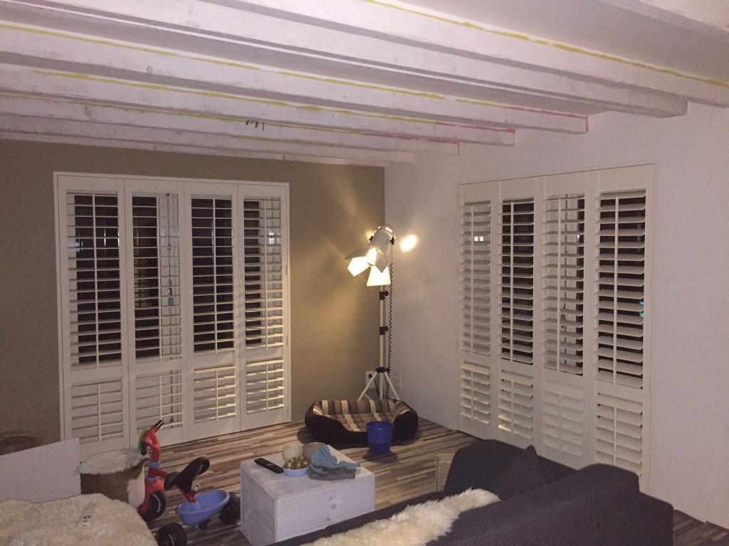 Shutters Openslaande Deuren : Shutters en houten jaloezieën in je woonkamer shutterkoning