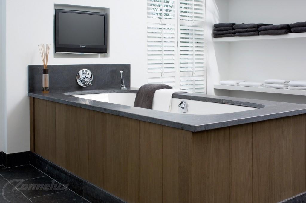 Houten Shutters Badkamer : Shutters en houten jaloezieën in je badkamer shutterkoning