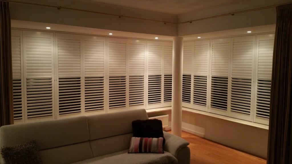shutters en houten jaloezieën in je woonkamer | shutterkoning, Deco ideeën
